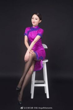 空中小姐 Maid Cosplay, Cheongsam Dress, Foto Pose, Flight Attendant, Beautiful Asian Girls, Geisha, Asian Woman, Sexy Dresses, Asian Beauty