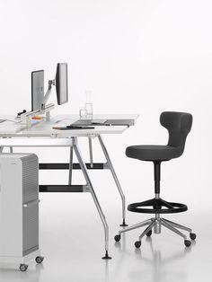 #Pivot de #Vitra diseñado por Antonio #Citterio para el moderno trabajo en escritorios altos. www.vitra.com/pivot