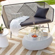 Modern Patio Furniture That Brings the Indoors Outside - http://freshome.com/modern-patio-furniture/