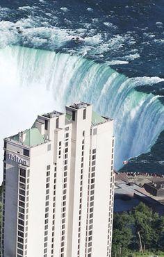 This 4-star Hilton Hotel overlooks Niagara Falls