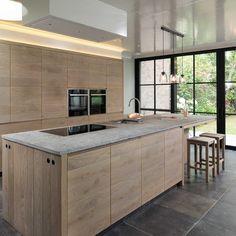 Ikea Kitchen Interior, Home Decor Kitchen, Home Kitchens, Rustic Kitchen Lighting, Fixer Upper Kitchen, Kitchen Tops, Small Room Bedroom, Küchen Design, Apartment Design