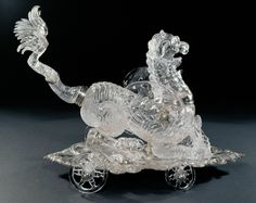 Centrepiece in the Form of a Lion-Dragon, Milan, mid-17th c.; adapted by Dionysio (ca. 1607 – 1661) and Ferdinand Eusebio Miseroni (1639 – 1684), Prague, 1659 – 1676. Rock crystal, silver; H. 43,6 cm, L. 52,4 cm, W. 32,7 cm © KHM-Museumsverband.