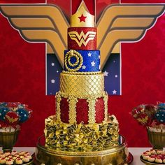 Cake Design Spotted via 😍🔥✨👑💛💙💛💞👌 Wonder Woman Cake, Wonder Woman Birthday, Wonder Woman Party, Star Wars Birthday, 30th Birthday, Birthday Parties, Birthday Cake Ideas For Adults Women, Anniversaire Wonder Woman, Superhero Cake