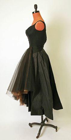 Evening dress Charles James (American, born Great Britain, 1906–1978)  Date: 1950–51 Culture: American Medium: silk. Sideway