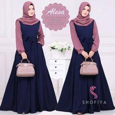 blue and pink ! Muslim Women Fashion, Islamic Fashion, Hijab Style Dress, Hijab Outfit, Abaya Fashion, Fashion Dresses, Estilo Abaya, Muslim Dress, Islamic Clothing