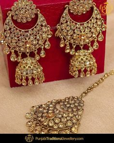 """641a943f4 Punjabi Traditional Jewellery™ on Instagram: """"featured:- Champagne Stone  Earrings Tika Set • •  •••••••••••••••••••••••••••••••••••••••••••••••••••••⠀ You ..."""