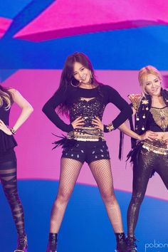 Yuri and Hyoyeon Sooyoung, Yoona, Snsd, Kwon Yuri, Korean Music, Stage Outfits, Girl Bands, David Beckham, Girls Generation