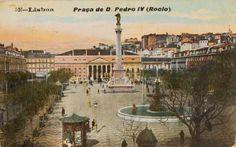 Lisboetas Old Pictures, Old Photos, Lisbon Portugal, Old Postcards, Portuguese, Paris Skyline, 1940, Travel, Folklore