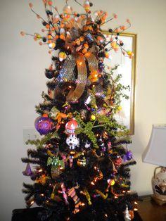 gorgeous Halloween tree!
