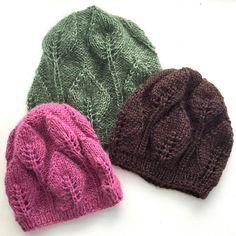 Ravelry: Enkel bladlue/Simple leaf hat pattern by Margrethe Broby Needles Sizes, Mittens, Ravelry, Knitted Hats, Winter Hats, Things To Come, Cozy, Leaves, Elegant