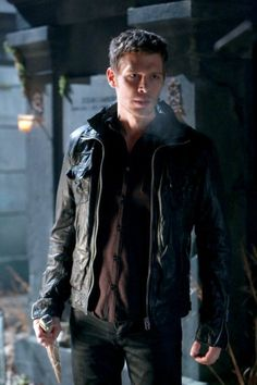 """New!! #TheOriginals First Look: """"Le Grand Guignol"""" Episode 1×15. Mikael's Back! http://sulia.com/channel/vampire-diaries/f/97f03f87-eade-4a21-ae44-442a9dca0d70/?source=pin&action=share&btn=small&form_factor=desktop&pinner=121498113"""
