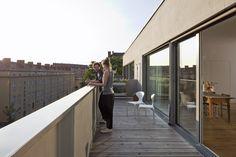 Contemporary Building in Berlin,© Werner Huthmacher