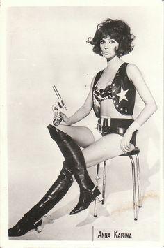 Our girl Anna Karina. Anna Karina, Costumes Western, Divas, French New Wave, French Style, Foto Portrait, Vintage Vibes, Vintage Stuff, Vintage Photos