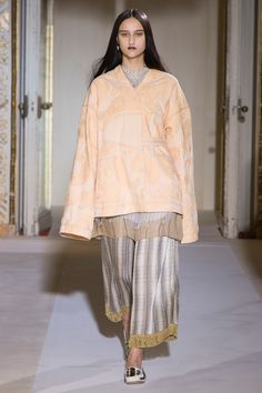 See the complete Acne Studios Spring 2017 Ready-to-Wear collection.