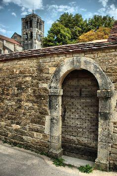 Vézelay (Yonne) Yonne Medieval Bourgogne France HDR