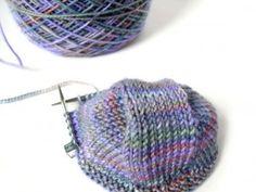 Toe-up socks knitting