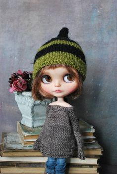 Handmade HAT for BLYTHE doll hand knit outfits blythe