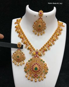 7286062150 ping me for orders Antique Jewellery Designs, Gold Jewellery Design, Ruby Necklace Designs, Gold Jhumka Earrings, Gold Necklace, Gold Mangalsutra Designs, Gold Jewelry Simple, Fashion Jewelry, Jewelry Art