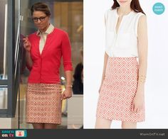 Ann Taylor Abstract Diamond Pencil Skirt worn by Melissa Benoist on Supergirl Chic Outfits, Fashion Outfits, Fasion, Supergirl Outfit, Kara Danvers Supergirl, Librarian Style, Pink Pencil Skirt, Sweaters And Jeans, Pink Cardigan
