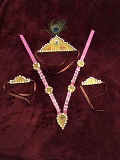 Halwa Dagine Easy to make. Diy Art Projects, Projects To Try, How To Make Halwa, School Board Decoration, Door Hanging Decorations, Makar Sankranti, Baby Krishna, Krishna Janmashtami, Newspaper Crafts
