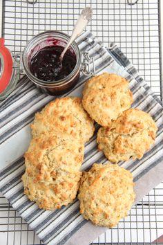 Valnøtt scones - My Little Kitchen Little Kitchen, Scones, Muffin, Kitchens, Keto, Lunch, Cookies, Baking, Breakfast