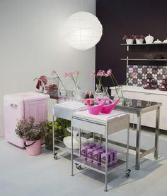 cute kitchen ideas...PINK!