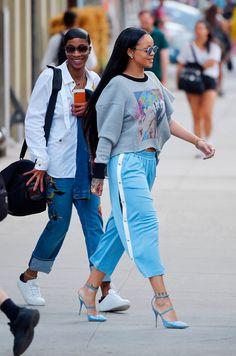Grazie Kim e Rihanna! I pantaloni della tuta con i bottoni laterali sono tornati -cosmopolitan.it