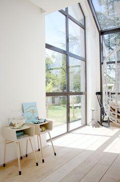 So much light. Dutch home via @Holly Hanshew Hanshew Hanshew Hanshew Marder {Avenue Lifestyle} IMG_4398