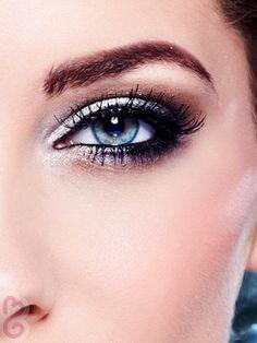 Eye Makeup Tips.Smokey Eye Makeup Tips - For a Catchy and Impressive Look Deep Set Eyes Makeup, Sexy Eye Makeup, Love Makeup, Beauty Makeup, Makeup Looks, Hair Makeup, Hair Beauty, Makeup Set, Perfect Makeup