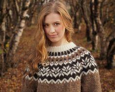Pullover & Pullunder - Islandpullover für Frauen aus echter Islandwolle… Fair Isle Knitting Patterns, Island, Winter Outfits, Street Wear, Turtle Neck, Wool, Etsy, Portrait, Selfies