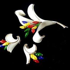 Signed-KRAMER-Vintage-Brooch-Pin-amp-Earrings-SET-Colorful-Glass-Enamel-Flower-V2