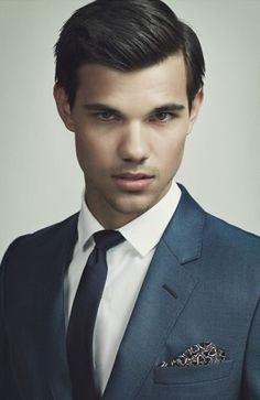 Taylor Lautner<br/> Click Photo To Enlarge Or Print