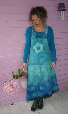 Stunning felted dress in shades of turquoise and green by Rozevilterije