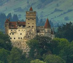 Braun Castle, Dracula Castle, this is definitely on my bucket list, is it on yours. www.madisonworldtravel.com