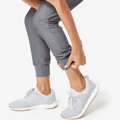 These sleek, stylish jogger scrub pants are super comfy but have a streamlined, urban-inspired feel and functionality to keep up with your hustle. Scrub Shoes, Scrub Pants, Scrubs Outfit, Womens Scrubs, Female Doctor, Nursing Clothes, Young Professional, Work Fashion, Amor