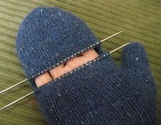 ChemKnits: CONVERTIBLE Fenway MITTS (Convertible Mittens) - Printable instructions attached.