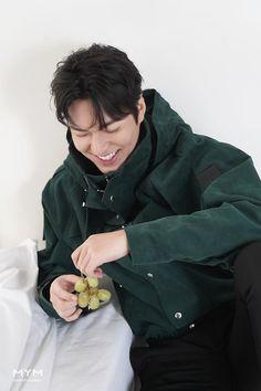 Handsome Korean Actors, Handsome Boys, Lee Min Ho Wallpaper Iphone, Dramas, Lee And Me, Lee Min Ho Photos, Kim Go Eun, Kdrama Actors, Matthew Mcconaughey