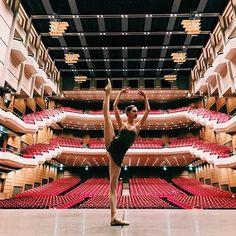 Happy #WorldTheatreDay _______________________________________ #spb #saintpetersburg #vba #vaganova #vaganovaballetacademy #vaganovaballet #vaganovaacademy #vaganovaphotos #vaganovastudents #vaganovavideos #vaganovastudent #dancer #ballet #hopefull #believer #dream #ballet