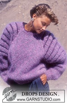 "Pull DROPS avec rayures sur les manches, en ""Magia"" et ""Karisma"". Knitting Patterns Free, Free Knitting, Free Pattern, Crochet Patterns, Drops Design, Jumpers For Women, Sweaters For Women, Pull Long, Magazine Drops"