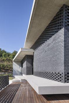 House in Gyopyeong-Ri / Studio Origin