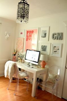 very nice laptop space…home style