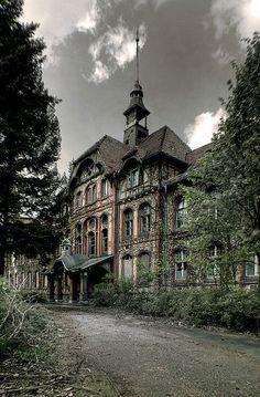 Estate home