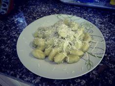 Gnocchi con crema di asparagi e patate