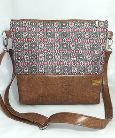 Thing 1, Handbags, Sewing, Fashion, Bags, Moda, Totes, Dressmaking, Couture