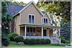 The Historic Streets of Sycamore, Illinois - Town & Country Living
