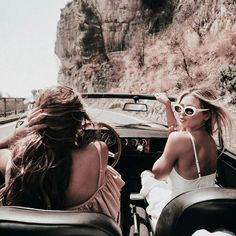 Road Trip :: Seek Adventure :: Explore With Friends :: Summer Travel :: Gypsy Soul :: Chase the Sun :: Discover Freedom :: Travel Photography :: Free your Wild :: Discover more Road Trip Destinations + Inspiration Best Friend Goals, Best Friends, Shotting Photo, Summer Aesthetic, Friend Photos, Friend Pictures, Friends Forever, Belle Photo, Foto E Video