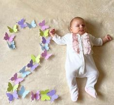 Pin by Susell Ramirez on Cumple meses Monthly Baby Photos, Cute Baby Photos, Baby Girl Pictures, Cute Baby Videos, Monthly Pictures, Newborn Photography Poses, Newborn Baby Photography, Children Photography, Foto Baby