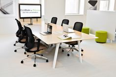 Interpret™ is a contemporary desking system that works for virtually any person, any task, anywhere in the world. Based on a core platform frame and concise set of reconfigurable components, Interpret allows you to make the office your own.
