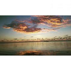 Hermoso Amanecer que solo te brinda San Andrés Islas! Ven y visitanos, disfruta de increíbles paisajes  #paradise #sanandres #sanandresislas #sea #hospedaje #alojamiento #alojamientorural #posadanativa #ocean #lovesai #sealife #amanecer #nature #posadadondepilo
