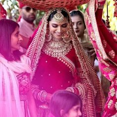 Sabyasachi Mukherjee has never failed to impress us with his stunning wedding attire collections. Look at the latest Sabyasachi lehenga designs to give a treat to your eye. Indian Bridal Fashion, Indian Wedding Outfits, Bridal Outfits, Wedding Attire, Bridal Dresses, Indian Wedding Jewelry, Bridal Jewellery, Wedding Poses, Wedding Ceremony